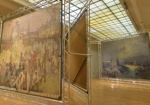 Část slavné Slovanské epopeje se právě vystavuje v pražském Obecním domě.