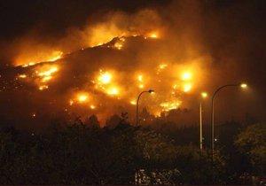 Ostrov Mallorca oblíbený mezi turisty se musel v roce 2017 potýkat s nebezpečnými požáry. Letos může být situace ještě horší (ilustrační foto)