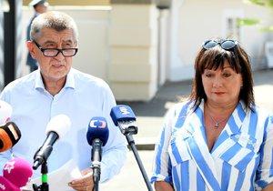 Premiér Andreje Babiš a ministryně financí Alena Schillerová po schůzce s prezidentem Milošem Zemanem v Lánech