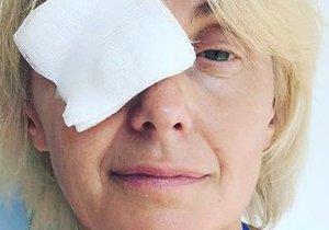 Veronika Žilková s obvazem přes oko