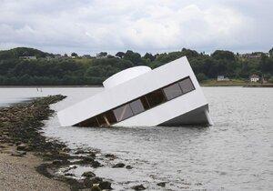 Slavná vila od Le Corbusiera se potopila v dánském fjordu!