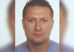 Měl skončit v chládku, stále uniká: Policie několik let pátrá po zločinci ze Žižkova, hledají ho i v zahraničí