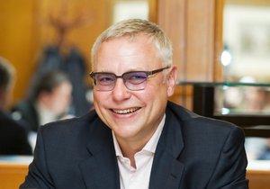 Zdeněk Bakala tvrdí, že komise k OKD není nestranná a zasahuje do soudních projednání případu.