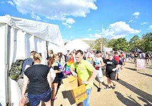 Prague Pride a HIV: Ze 40 tisíc se otestovalo jen pár set lidí. Některé vzorky mohou být pozitivní