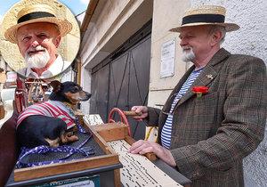 Lidem na ulici rozdávát radost líbivými zvuky : Flašinetář Honza (60) na kolovrátek hraje už 10 let