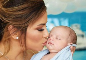 Eva Longoria se svým miminkem.