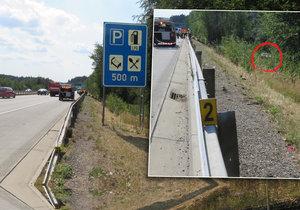 Motorkář našel v autě u D1 mrtvolu: Policie nechápe, jak se vůz dostal za svodidla
