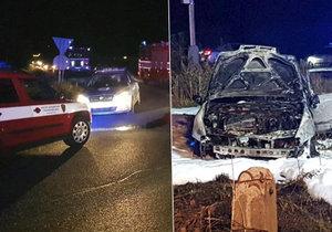 Zběsilá policejní honička skončila neslavně. Řidič v Šestajovicích havaroval a shořelo mu auto