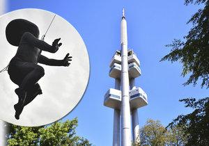 "Ikonická mimina na Žižkovské věži stále chybí: Opravy ""neklaply"", nahradí je dvojníci!"