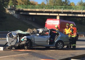 Od 27. 8. 2018 05:05 do 09:05 na D5 – 13. km na trase Praha–Rozvadov nehoda