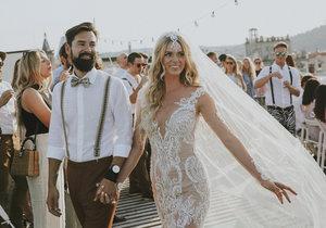 Krásná nevěsta Nikol Moravcová na své svatbě.