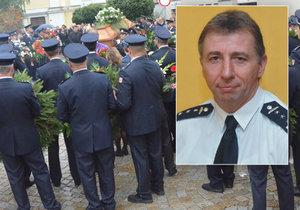 S hasičem se rozloučili kamarádi, rodina i kolegové.