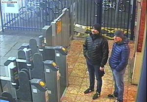 Dvojici Rusů Alexander Petrov a Ruslan Boršilov viní Britové z útoku novičokem