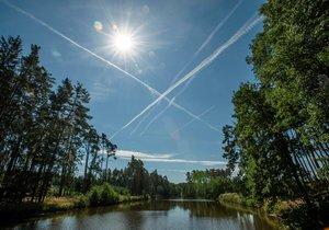 Třetí den po sobě v Česku padaly teplotní rekordy. Zaznamenalo je 49 stanic, zhruba třetina z těch, které fungují alespoň 30 let. (ilustrační foto)