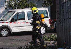 Únik plynu v Suchdole: Hasiči preventivně evakuovali sedm osob