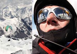 Doletěl  s padákem na  K2
