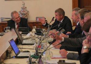 Prezident Miloš Zeman dorazil za premiérem Andrejem Babišem (ANO) kvůli státnímu rozpočtu (19. 9. 2018).