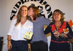 Expartnerky Aneta Langerová a Iva Millerová si daly i políbení