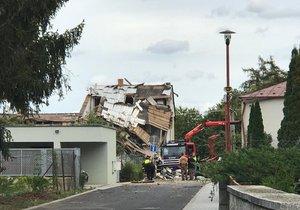 Dům na Prostějovsku vyletěl do povětří: V jeho sutinách našli mrtvého hasiče