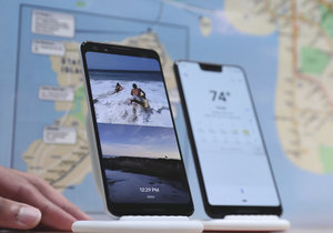 Na konferenci představil Google novou generaci smartphonů a domácích asistentů.