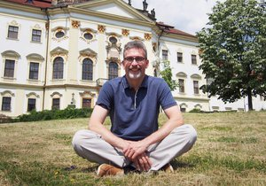 Primátorský řetěz v Olomouci si navlékne železniční expert Miroslav Žbánek (45, ANO).