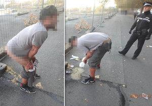 Když musíš, tak musíš: Strážníci v Plzni vzbudili opilce, vykálel se přímo před nimi