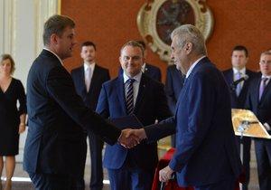 Prezident Miloš Zeman jmenoval Tomáše Petříčka ministrem zahraničí, byl u toho i premiér Andrej Babiš (16. 10. 2018)