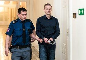 Michal brutálně napadl expřítelkyni! Nachystal si na ni trychtýř i ponožku, odsedí si téměř čtyři roky