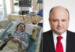 Chlapce po operaci mandlí nechali krvácet na chodbě pardubické nemocnice: 4 fatální chyby, které zničily Adámkovi život