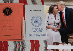 Americký prezident svoji bývalou tchyni přijal v Oválné pracovně.