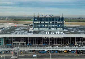 Praha se na hodinu a půl zavře. Letiště Václava Havla čeká omezení kvůli vojenské přehlídce