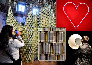 Designblok v Colloredo-Mansfeldském paláci: Bloudění mezi plechovkami a házení knihou o zeď?!