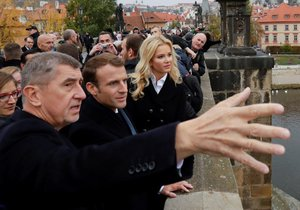 Babiš vzal Macrona také na Karlův most (27.10.2018)
