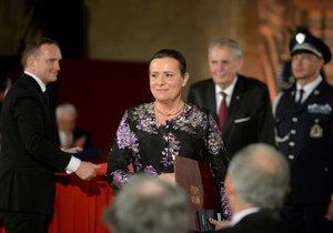 Za boj proti solárním baronům získala vyznamenání od Zemana také bývalá šéfka Energetického regulačního úřadu Alena Vitásková (28. 10. 2018)