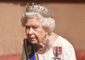 Královna truchlí po smrti své hospodyně