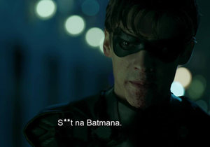 Robin má v novém seriálu Batmana po krk.