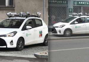 Absurdní parkování monitorovacích automobilů