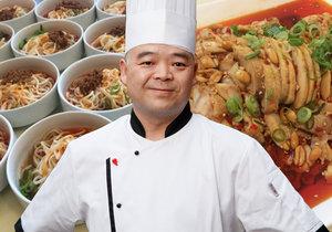 Čen Shengliang je šéfkuchařem čínské restaurace ve Slovanském domě. Typickou čínskou kuchyni by nerad zaměňoval za nabídku mnoha místních bister.