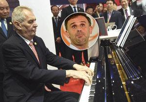 Zeman v Číně hrál k překvapení všech na klavír. A na Barrandově promluvil i o rezignaci Jiřího Zimoly na post statutárního místopředsedy ČSSD