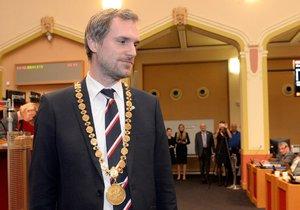 Nový primátor Zdeněk Hřib (Piráti) na ustavujícím zasedání nového zastupitelstva hlavního města 15. listopadu 2018 v Praze.