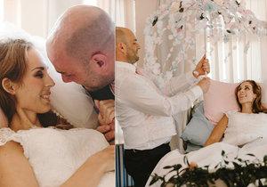 """Nejtěžší, ale nejkrásnější den v životě. Snoubenci si své """"ano"""" vyměnili v nemocnici. Nevěsta pár dní poté zemřela."""