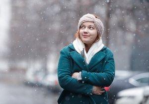 Příští týden přinese do Česka sníh. Sněžit bude hlavně na horách, přechodně se ale vloček dočkají i lidé v nížinách. (ilustrační foto)