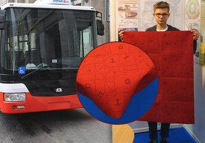 Matěj navrhl nové potahy pro autobusy.