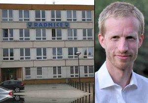 Novým starostou Prahy 12 je Jan Adamec z Pirátů.