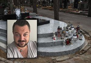 Měsíc a dva týdny po pompézním pohřbu Jana Kočky (†28): Z hrobu zmizely květiny!