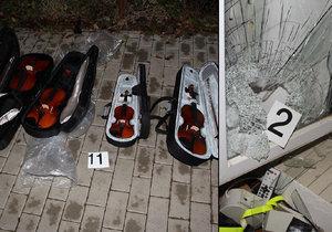 Zloději ukradli z obchodu hudební nástroje, policie je dopadla.
