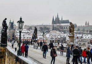 Příští týden bude v Praze deštivo. Očekávejte oteplení, ale pozor na ledovky