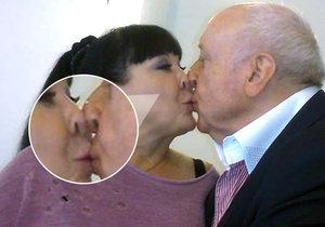 Dáda Patrasová s Felixem Slováčkem se vášnivě políbili.
