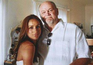 Meghan Markle se svým otcem Thomasem Marklem na své první svatbě.