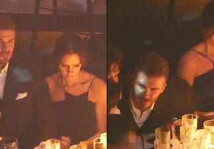 Victoria Beckham seděla vedle svého muže jako ledová královna.